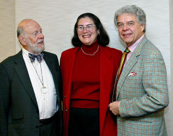 (From left) Jerry Levine, president of Mentor International and chair emeritus of the California Council for International Trade (CCIT), Susan Corrales-Diaz, president of Systems Integrated and chair of the CalChamber Council for Intenational Trade, and John Leitner, president and CEO of W.J. Byrnes & Company.