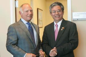 CalChamber Hosts Vietnamese Ambassador