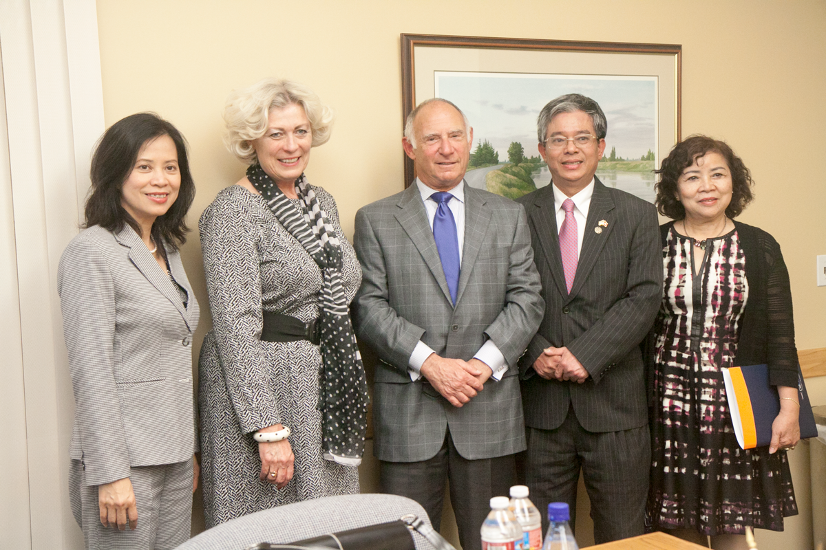 (From left) Consul General of Vietnam in San Francisco; CalChamber Vice President, International Affairs Susanne T. Stirling; CalChamber President and CEO Allan Zaremberg; Ambassador Pham Quang Vinh; and the Ambassador's wife.