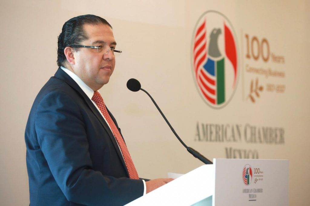Jorge Torres, President of AmCham Mexico President and FedEx Mexico, speaks at the AmCham luncheon