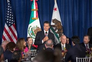 President Peña addresses attendees at the State Luncheon.